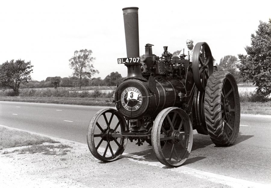1969 - Club Founder Edward Harris arriving at the President's Picnic in his traction engine