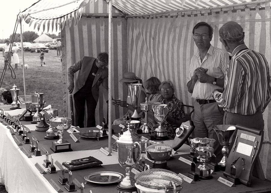 1984 - Yarnton trophies and prizes