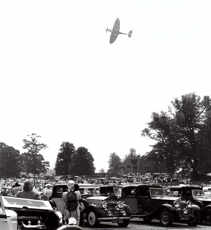 1990 - Castle Ashby Spitfire fly past