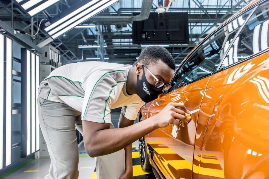 Bentley welcomes future talent intake 4